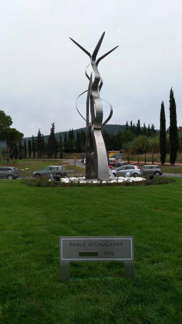 """Il Maestro uruguayano Pablo Atchugarry per Bagno a Ripoli. La sua scultura """"Incontro"""" alla nuova rotatoria di Quarto"""